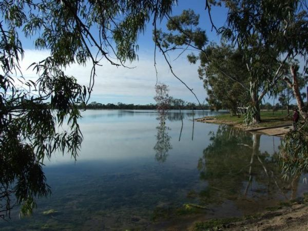 Lake Lascelles Rest Area