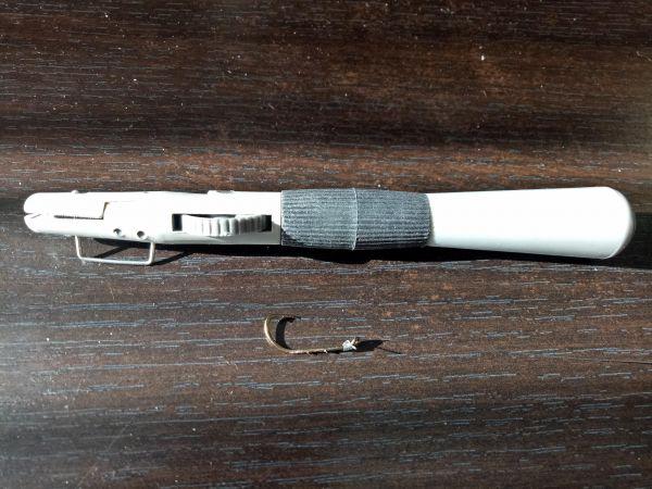 Fish Hook Tying Tool by Genius
