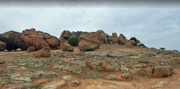Tcharkulda Rock Rest Area